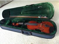 Stephanelli childs Violin with deluxe case 1/4 size