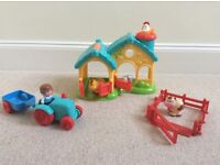Happyland farm with farmer, tractor, trailer, 4 animals and farmhouse with animal noises