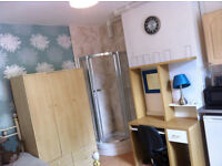 MOVE IN TODAY! Furnished studio room,Bills incl,B237JX, 10min Birmingham city centre,bus stop outsid