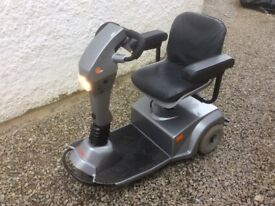 Good reliable mobility scooter, turns around on the spot. Headlight,