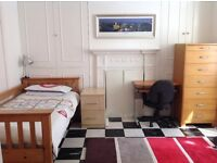 Lovely bright, large fully furnished room in shared house - Central Brighton (All bills included)