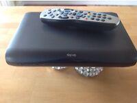 Mini Sky Box HD and remote control