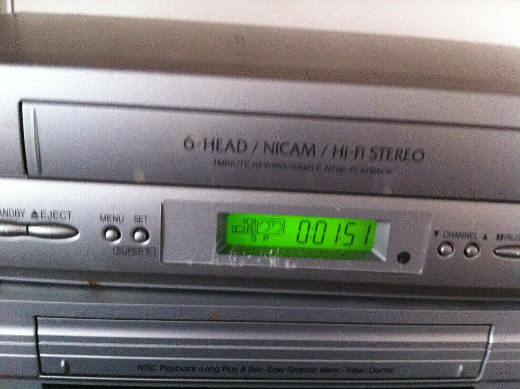 WORKING VHS PLAYER PLUS 300 PLUS MOVIES