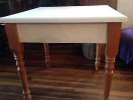 Table - shabby chic