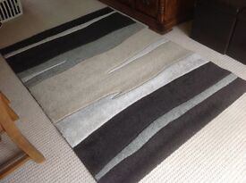 Rug large in Shades of creams and brown 120x170