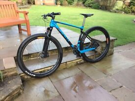 Mountain bike. Large Giant XTC Advanced Carbon in large, 29er
