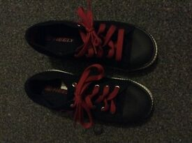 Heelys Size uk 4 like new black and red