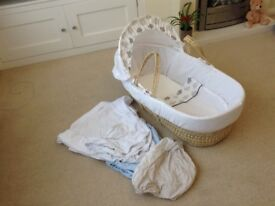 Moses Basket with sheets included