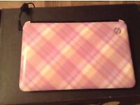 HP Pink laptop on win7 starter with box & charger