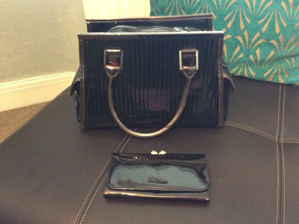 TED BAKER HANDBAG AND PURSE