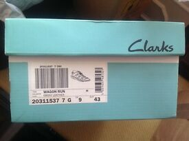 Clarkes Air Sole Sandals, Gladiator Roman style leather.size9..Only worn once in Las Vegas.