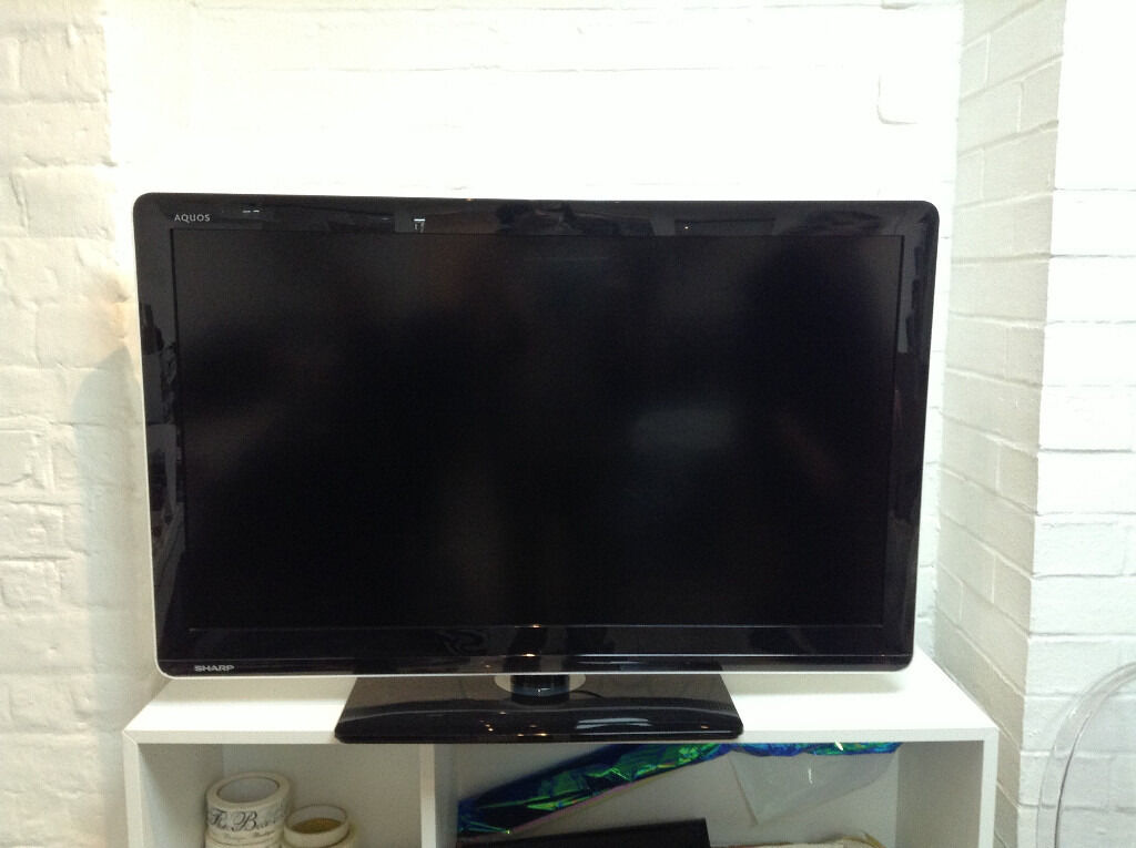 Sharp AQUOS LC-37LE3 LED-LCD TV 37""
