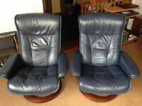 2 Stressless Ekornes swivel recliner chairs plus 2 matching foot stools