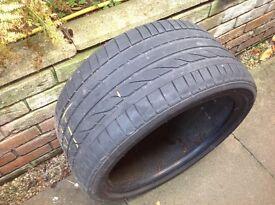 Bridgestone tyre 275 35 R19 9W