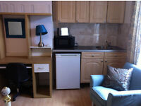 Move in 2ndMay! Studio Incl bills,trainstation 1 stop Birmingham city