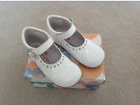 White Patent Andanines Shoes size 24/uk 7
