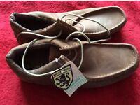 Lambrella Mens Shoe Size 9 Brand New