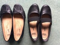 2pairs Clarks ladies black flat shoes near new condition 1pr size 5 . 1 pr size 5 1/2