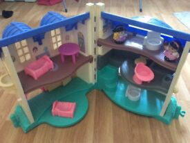 Vintage fisher price dolls house