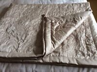 Luxurious throw for double bed, oyster coloured with corner tassels.