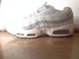 Nike Air Max. Size 8
