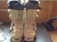 Ladies Salomon Evolution Performa 5.0 Ski Boots