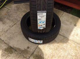 Bridgestone 215/45/17 RE050