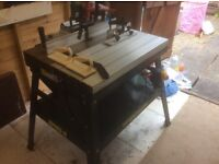 Record power router table and De Walt router