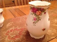 Royal Albert old country rose vase