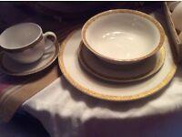 40 piece porcelain Dinner Set Tea 8 Place setting Cups Plates Bowls Saucers £10