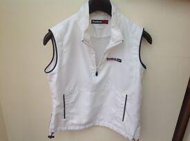 Sleeveless too/jacket