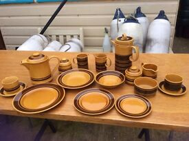 Crockery: Plates, cups and saucers etc.