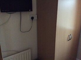 Nice clean single room in house share