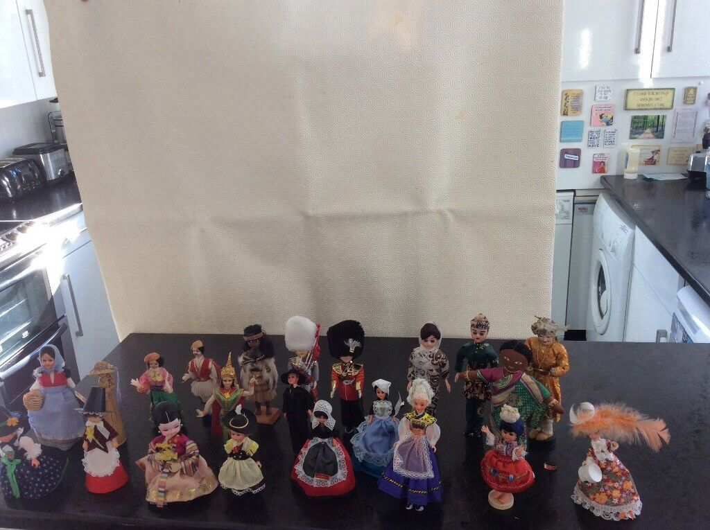 22 Dolls in National Costume
