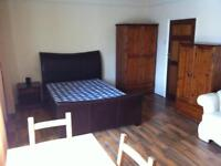 Large room in a shared house located on Newport road