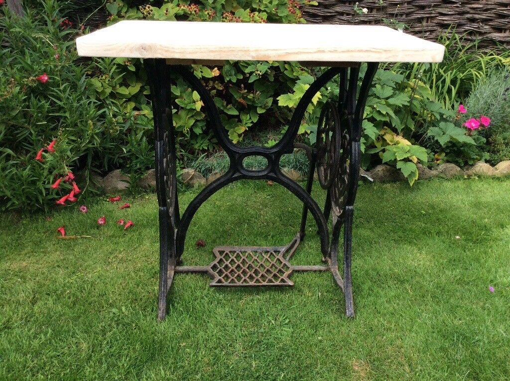 Vintage Singer Sewing Table. Cast Iron with Wooden top