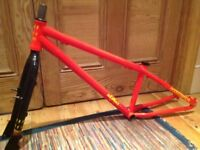 Commencal max max dirt jump bike frame and forks