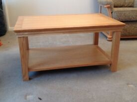 Coffee table (oak)