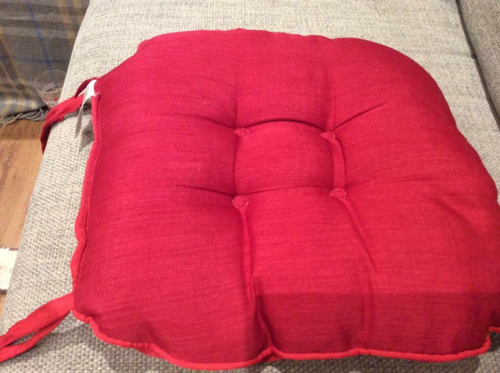 6x Dunelm seat cushions for dining chairs