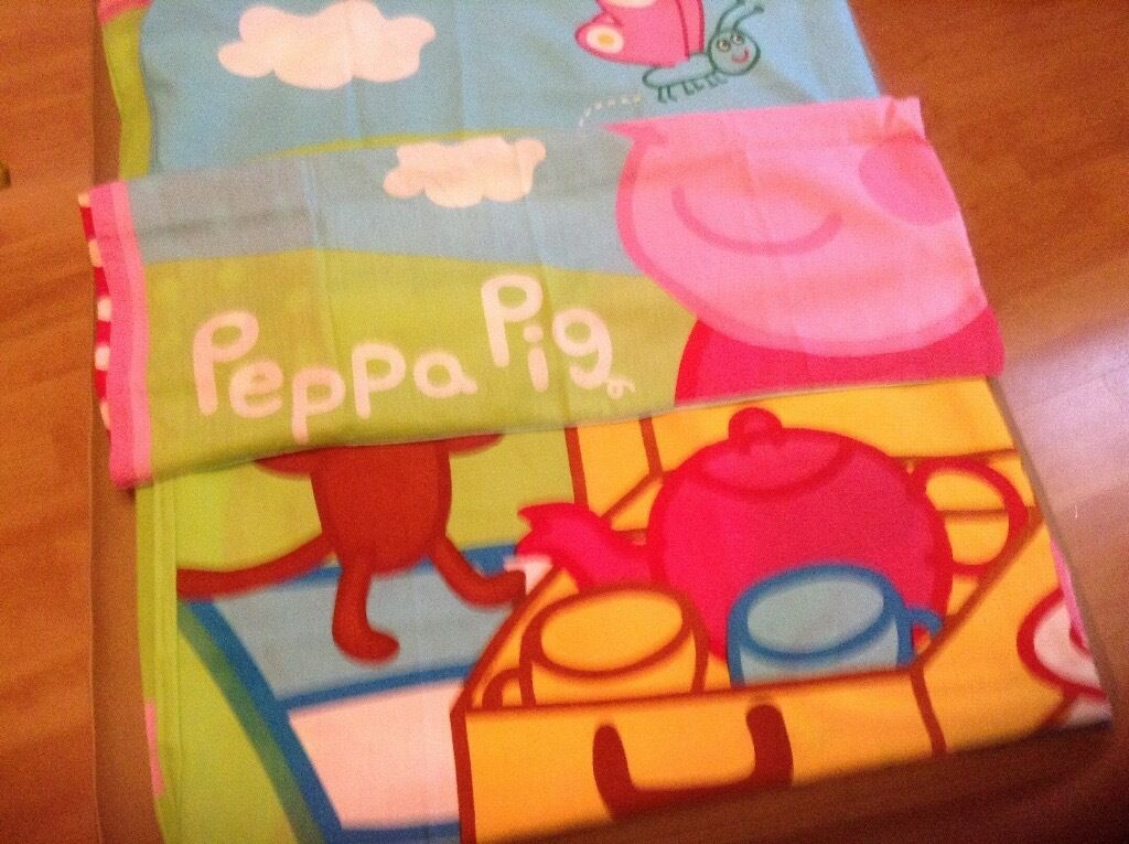 PEPPA PIG SINGLE DUVET COVER SETS. (2 sets)