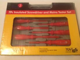 New set of 7 piece insulated screwdriver and mains tester set