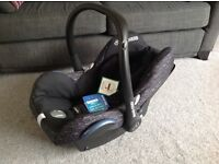 Maxi cosi cabiofix baby car seat-black lines