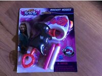 Nerf rebelle (NEW,can post) Rockin roses