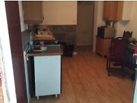 Large En-suit room £750 in kenton fully furnished and refurbished including bills