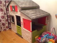 Smoby Friends toy house/ playhouse/ outhouse rrp £280, excellent condition, only used indoors,