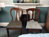 2 upholstered in green silk mahogany antique chairs