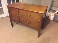 Antique Oak Free standing chest drawers unit