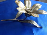 VINTAGE BRASS LILY/LOTUS FLOWER CANDLEHOLDER WITH REMOVABLE PETAL ASHTRAYS