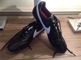 Brand New Nike Premier SG Football Boots (size UK9.5)