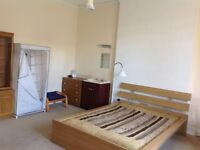 Quiet double bed rooms in Redland p, couple welcomed